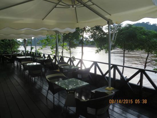 Lan Kham Riverside: Restaurant beside the Mekong River