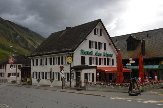 Photo of Hotel des Alpes Realp