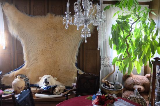 Big Bear Bed & Breakfast : living room upstairs