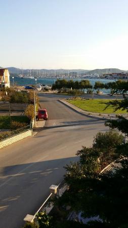 Betina, Κροατία: Aussicht von der Terrasse