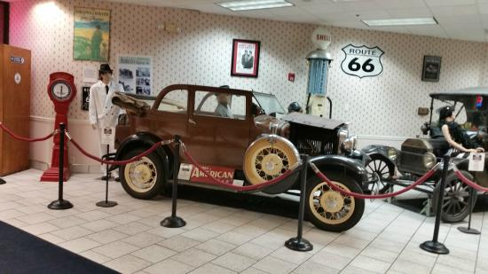 Route 66 Hotel And Conference Center: Hotel Foyer.