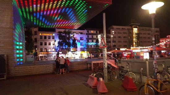 Spielbudenplatz