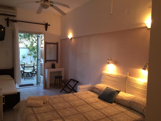 Beau Aigaion Hotel: Room Semi Basement