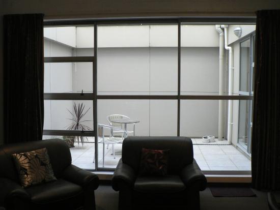 Ibis Styles Invercargill : Outdoor patio
