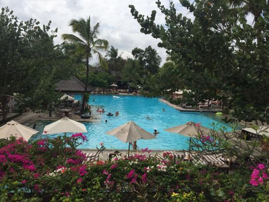 Padma Resort Legian : Pool at the back of the hotel near the beach