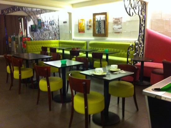 Le Thy : Salle petits déjeuners