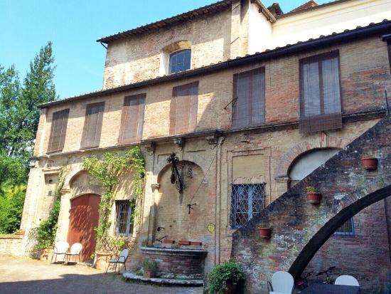 Palazzo Bruchi: B&B building facade