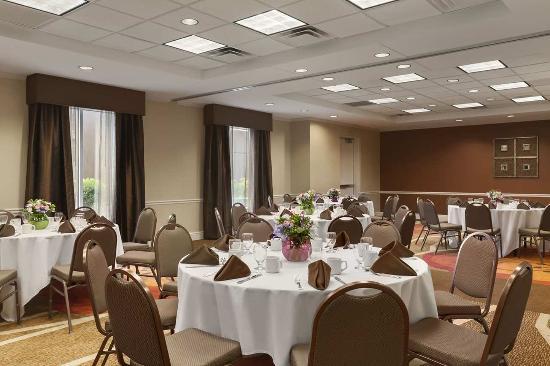 Hilton Garden Inn Islip/MacArthur Airport: Garden Room - Banquet Set-Up