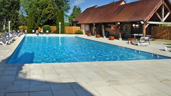 Domaine du Val de Sorne: piscine