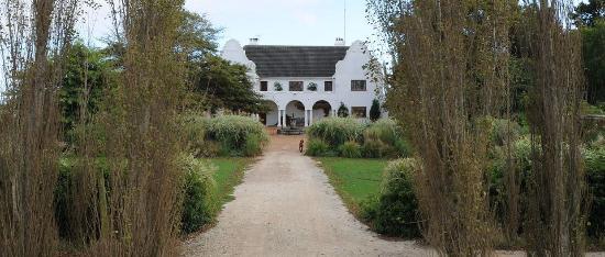 Iona Wine Farm: Beautiful Herbert Baker homestead at Iona Vineyards