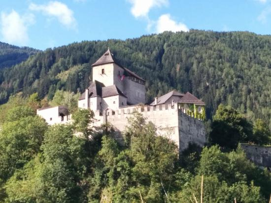 Reifenstein Castle (Castel Tasso)