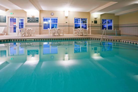 Saint Cloud, MN : CountryInn&Suites StCloudEast Pool