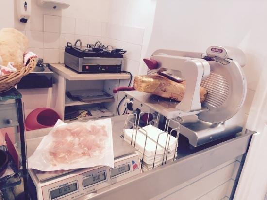 IL Pezzettino: Sliced Parma Ham!