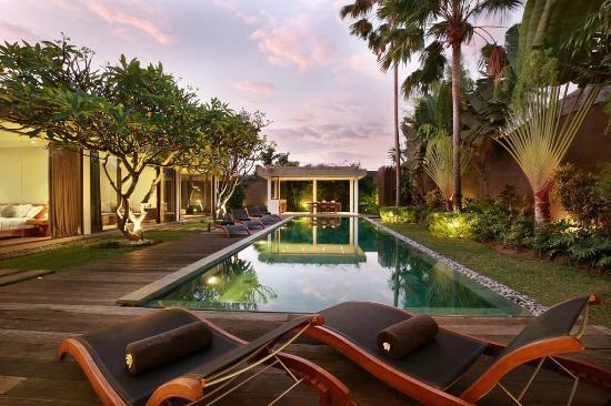 Ziva Villas : large swimming pool in villa