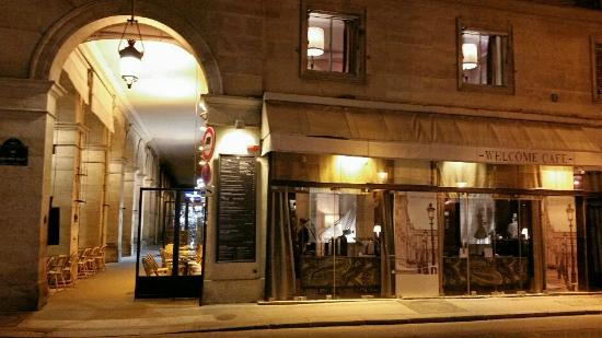 Side View Of Restaurant Picture Of Welcome Cafe Paris Tripadvisor