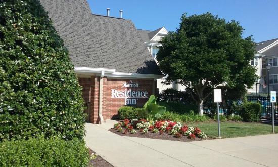Residence Inn Charlottesville: Entrance