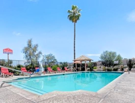Ramada Limited Tucson West: Pool