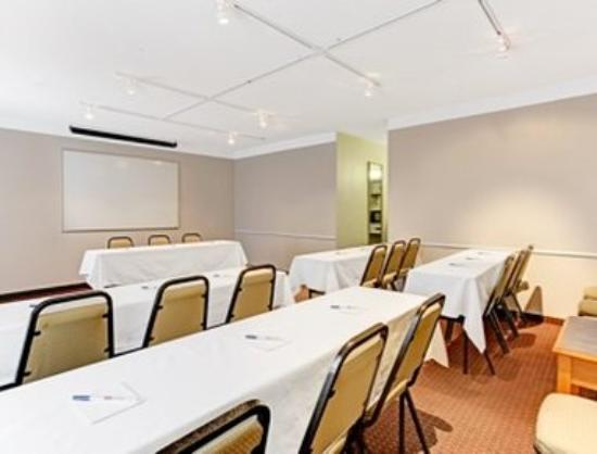 Ramada Limited Tucson West: Meeting Room