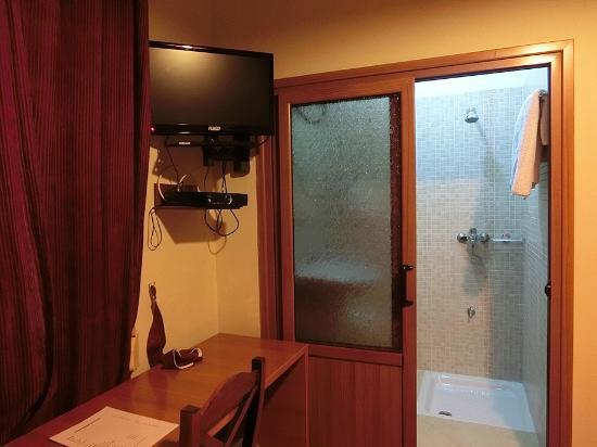 Hotel Nobel : シャワースペース