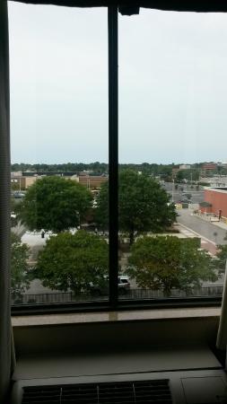 Hilton Garden Inn Virginia Beach Town Center : 5th floor view
