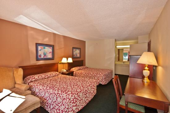 Country Hearth Inn & Suites Atlanta / Marietta and Banquet Hall : Two Double Beds
