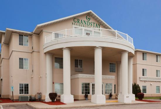 GrandStay Residential Suites Hotel Madison: Exterior