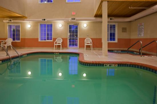 GrandStay Residential Suites Hotel Madison: Pool