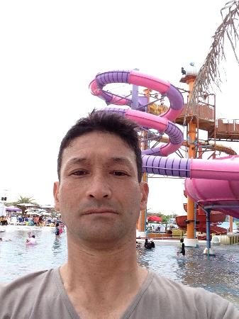 Jomtien Beach, Thailand: 8月15日  行きました 入場料が高い 今回タイの彼女と行きました  子供が遊ぶ所です