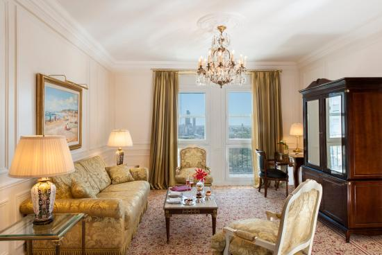 Alvear Palace Hotel: One Bedroom Deluxe Suite - Living Room