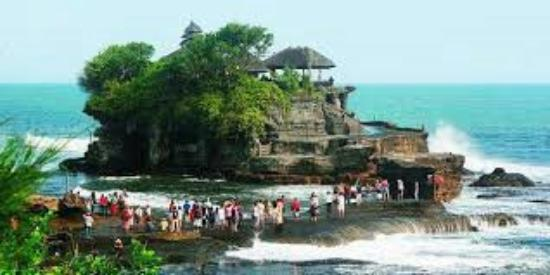 Chowbella Taste & Travel: Tegalalang ricefell and tanah lot tample