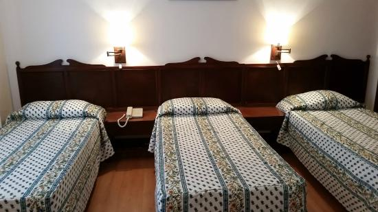 Hotel San Martin: habitación triple