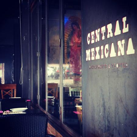 Central Mexicana Restaurante&Tequila: Main entrance and the Virgencita.