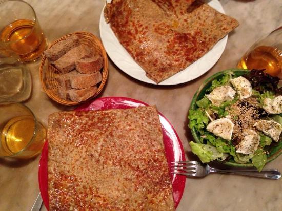Le Bol Bu: crêpes + salade + sidre brut