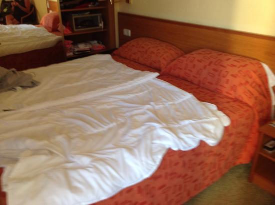 Globales Santa Lucia: Bed