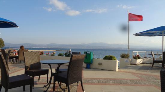 Bomo Palmariva Beach Hotel: prise de vue terrasse piscine