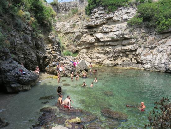 Bagni della Regina Giovanna Hidden Beach - Foto di Bagni della ...