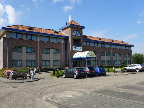 Voorzijde hotel foto van hotel port of moerdijk moerdijk tripadvisor - Hotel port salins 4 empuriabrava ...