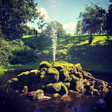 Dunham Massey Hall & Gardens: Dunham Massey Water Feature