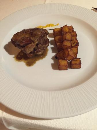 Ristorante Il Chiostro: Spalla d'agnello con patate
