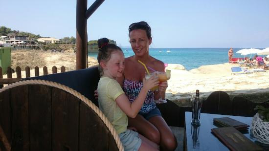 D'amour Beach Bar-Restaurant: Lovely time