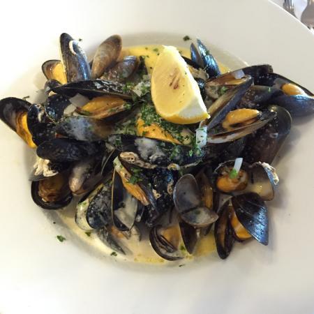 Cairnbaan, UK: El restaurante tiene poco nivel. La calidad de la cocina es deficiente