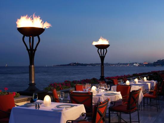 Four Seasons Istanbul at the Bosphorus: AQUA Restaurant_Terrace