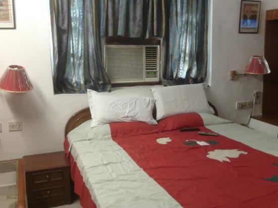 Prem Sagar Guest House: room