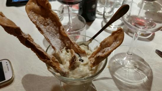 Etna Quota Mille: Cannolo scomposto