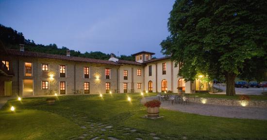 Borgomale, Italia: Giardino