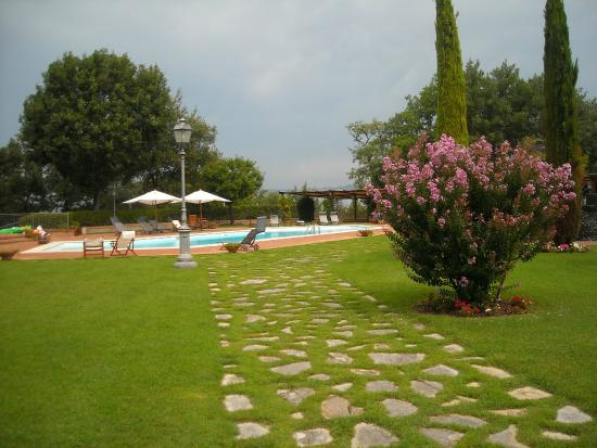 Il Castellaro Country House: Piscina