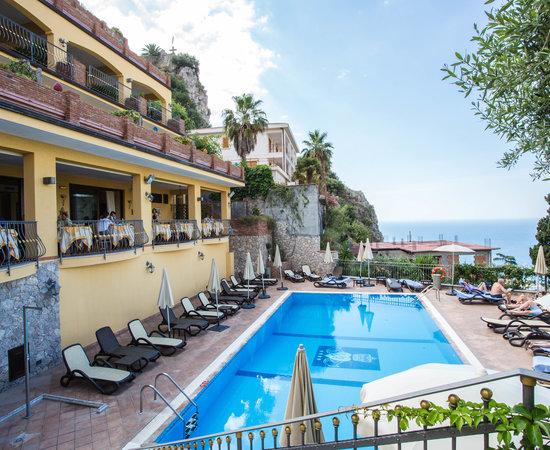Hotel villa angela bewertungen fotos preisvergleich - Hotels in catania with swimming pool ...