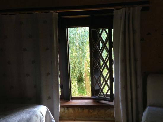 Le Moulin de Monternault : fenêtre sur jardin