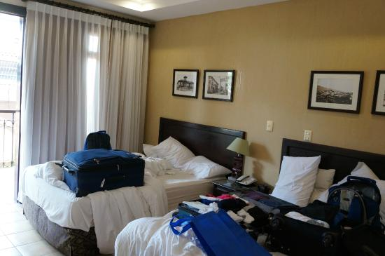 Hotel Colonial: room for 4 - too small for comfort