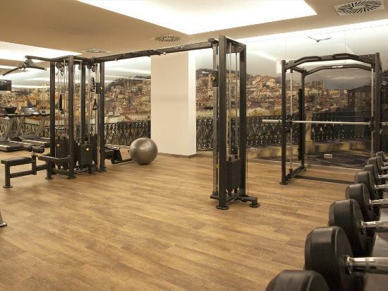 Hotel fitness center design images for Gimnasio jupiter